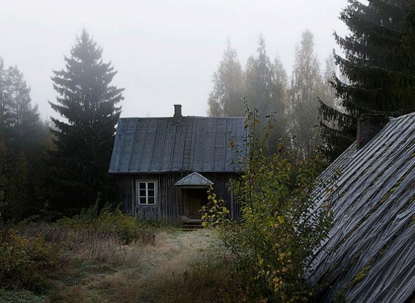 abandoned cottage in the woods is not always empty 3