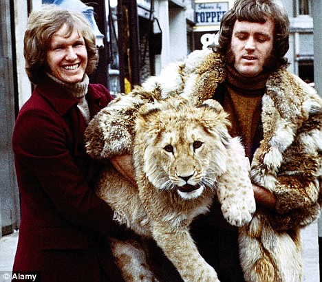 christian the lion who rode in bentley 3