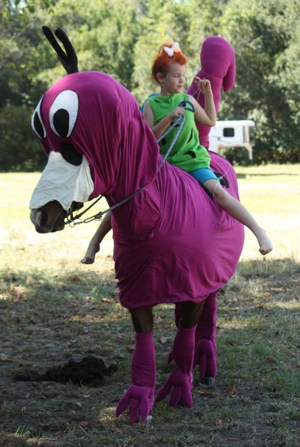 horse costumes living a day in your fantasy 24 pics 16