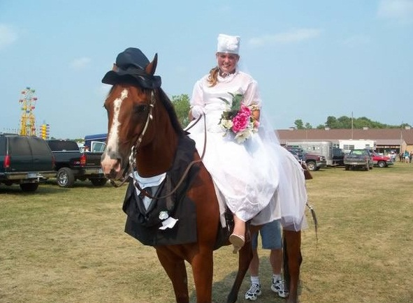 horse costumes living a day in your fantasy 24 pics 18