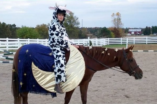 horse costumes living a day in your fantasy 24 pics 2